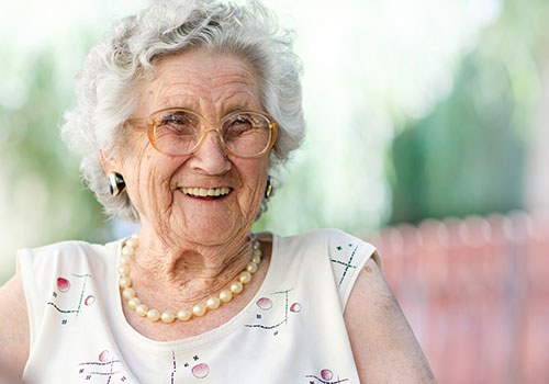 We help seniors with their daily activities so that they can stay in your own home